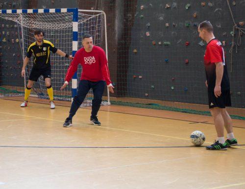 W zdrowym ciele zdrowy duch – Turniej Samorządowy w Halowej Piłce Nożnej, Łącko
