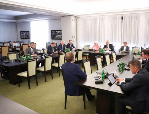 Prace w Komisji Spraw Emigracji i Łączności z Polakami za Granicą