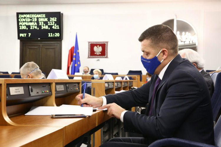 Posiedzenie 19. Przemówienie senatora Wiktora Durlaka w dyskusji nad punktem 4: o zmianie ustawy o Funduszu Dróg Samorządowych oraz niektórych innych ustaw