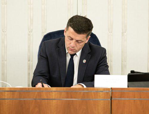Posiedzenie: 13. Przemówienie senatora Wiktora Durlaka w dyskusji nad punktem 2. porządku obrad: ustawa o Polskim Bonie Turystycznym
