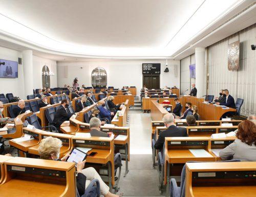 senat1 (2)